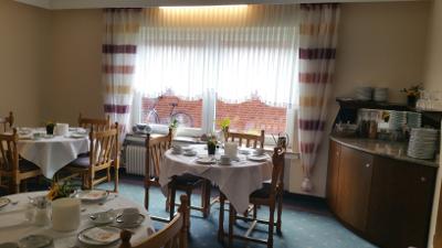landhaus_ahrens_hotel_gaestehaus_fruehstueckszimmer